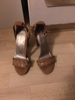 Graceland High-Heeled Toe-Post Sandals beige-camel