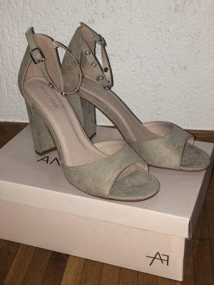 Beige Sandaletten von Anna Field