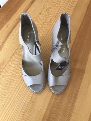 Beige Schuhe von Marks&Spencer