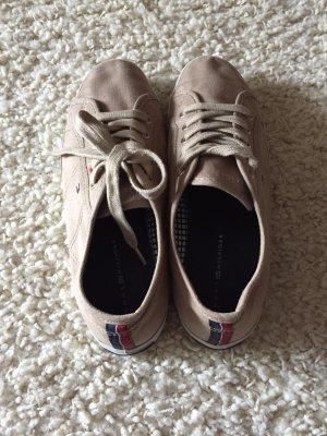 Beige Schuhe von Tommy Hilfiger in Größe 38