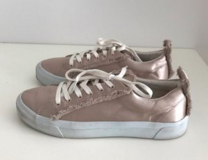 Beige sneaker von zara