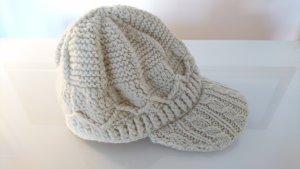 Chapeau en tricot crème acrylique