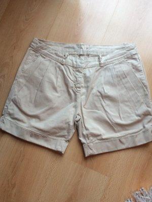 Beigefarbene Gang Shorts