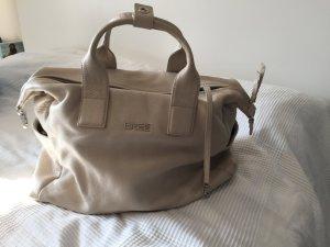 Beigefarbene Handtasche von BREE mit vielen Fächern