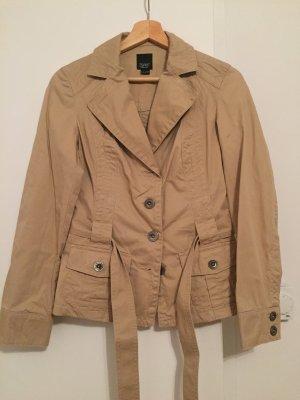 Beigefarbene Jacke von Esprit Gr. 34