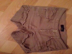 Beigefarbene Jeansshorts