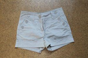 beigefarbene Shorts von H&M