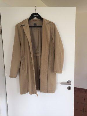 Beigefarbener Mantel