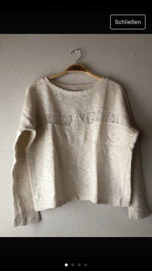 Beigefarbener Pullover
