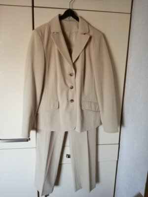 Kirsten Costume business beige
