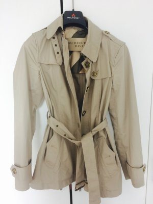 Beiger Burberry Trenchcoat
