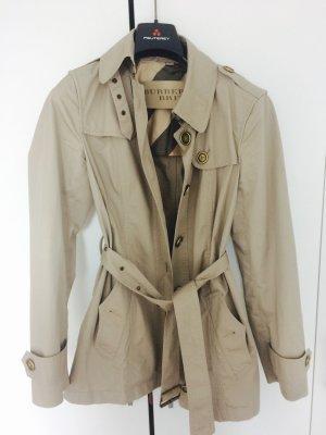 Beiger Burberry Trenchcoat