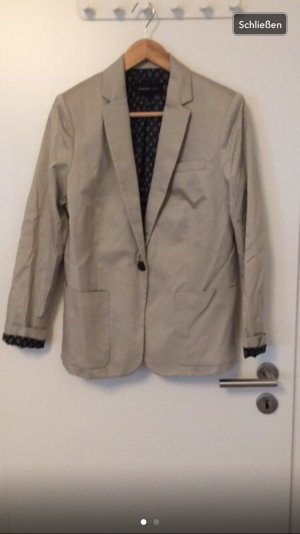 Beiger Businessblazer