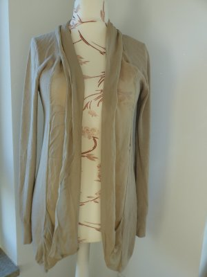 beiger Cardigan / Strickjacke von The Hackbarth's