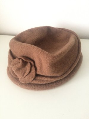 Beiger Hut
