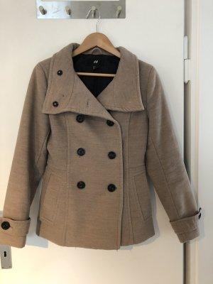 Beiger Mantel