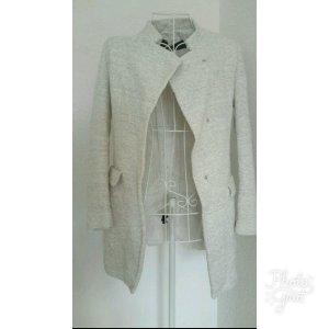 Beiger Mantel von Zara