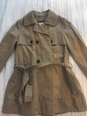 Beiger Trenchcoat Mango Suit