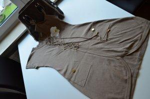 Beiges Kleid mit kurzen Ärmeln