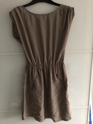 Beiges Kleid von Pimkie