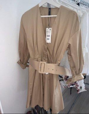 Zara Vestido tipo blusón beige-crema