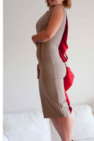 beiges neopren Kleid von SPACE für eine wilde Silvesternacht