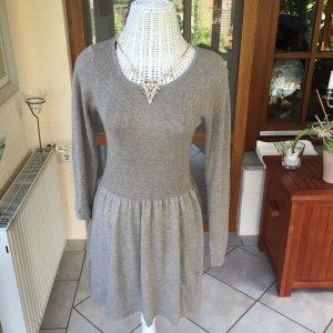 Beiges schickes Kleid