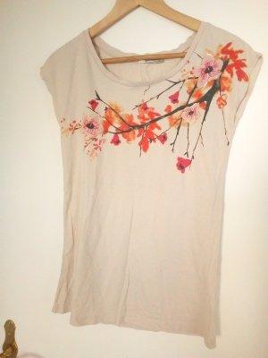 Beiges Shirt mit Blumenprint