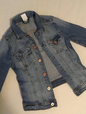 Beliebte Jeansjacke