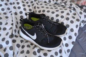 Beliebte Nike Roshe Run