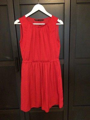 Zara Robe courte rouge fluo
