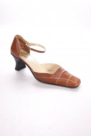 Belmondo Strapped pumps brown classic style