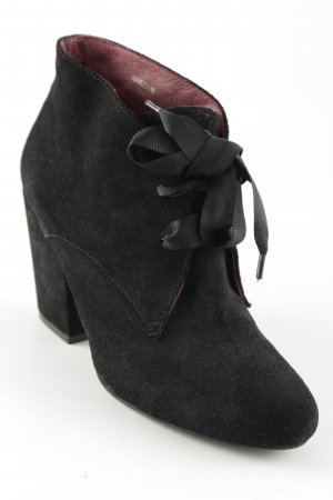 Belmondo Lace-up Booties black elegant