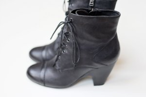 Belmondo Zipper Booties black leather