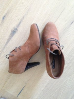 Belmondo Lace-up Booties brown