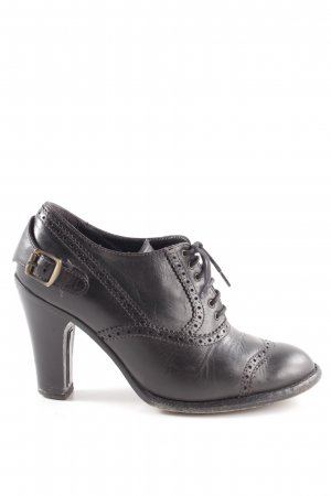 Belstaff Wingtip Shoes black casual look