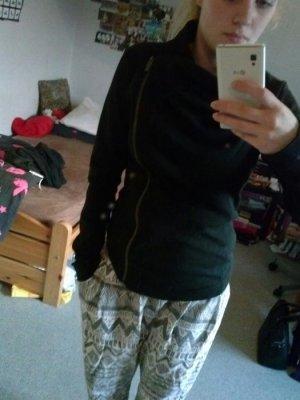 Bench Jacke in schwarz