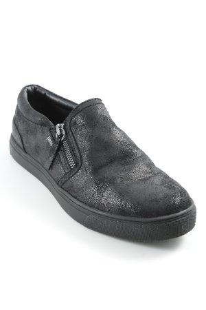 Bench Slip-on Sneakers black casual look
