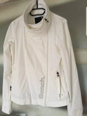 Bench weiße Jacke für Übergang oder Regentage