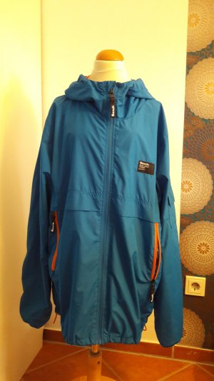 Bench Windjacke in coolem Blau