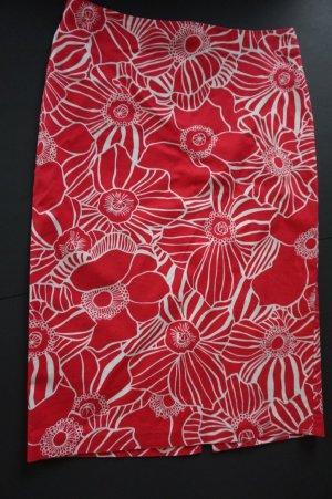 BENETTON Bleistiftrock rot mit Flowermuster Gr. 38/XS