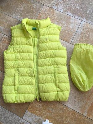 Benetton-Daunenweste, grün/gelb, sehr guter Zustand, wurde noch nie getragen