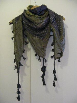 Benetton – gemusterter Schal mit Quasten