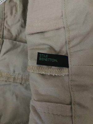 Benetton Rock in beige mit Knopf und Reißverschluss