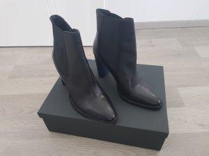 Benetton Slip-on Booties black leather