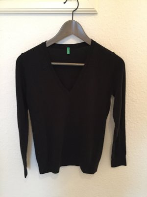 Benetton V-Ausschnitt Pullover schwarz im klassischen Stil