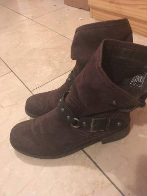 Bequeme Boots mit Nieten