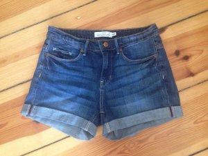 Bequeme klassische Jeans-Shorts