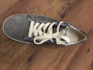 Bequeme metallic Sneaker