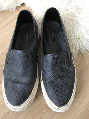 Bequeme schwarze Schuhe